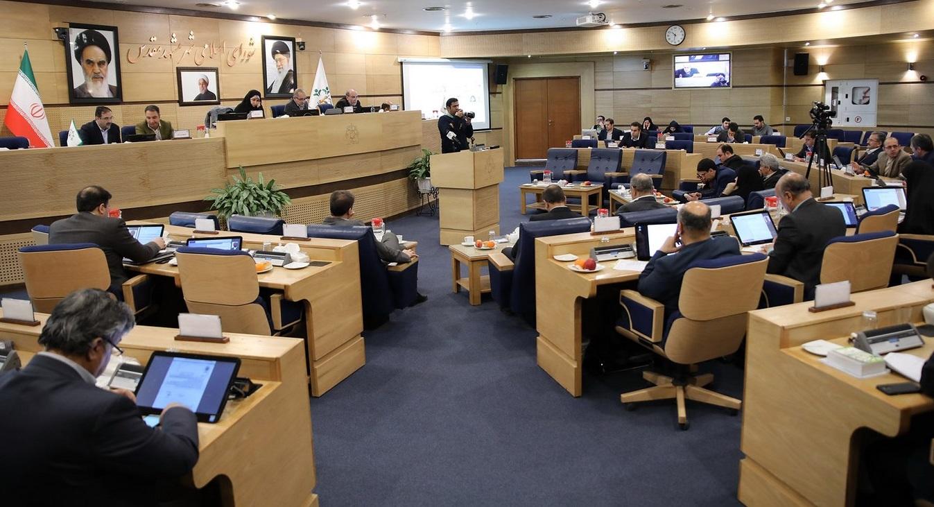 اصرار شورا بر دریافت عوارض از گردشگران خارجی